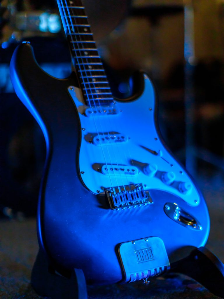 OMB Built-in Electric Guitar